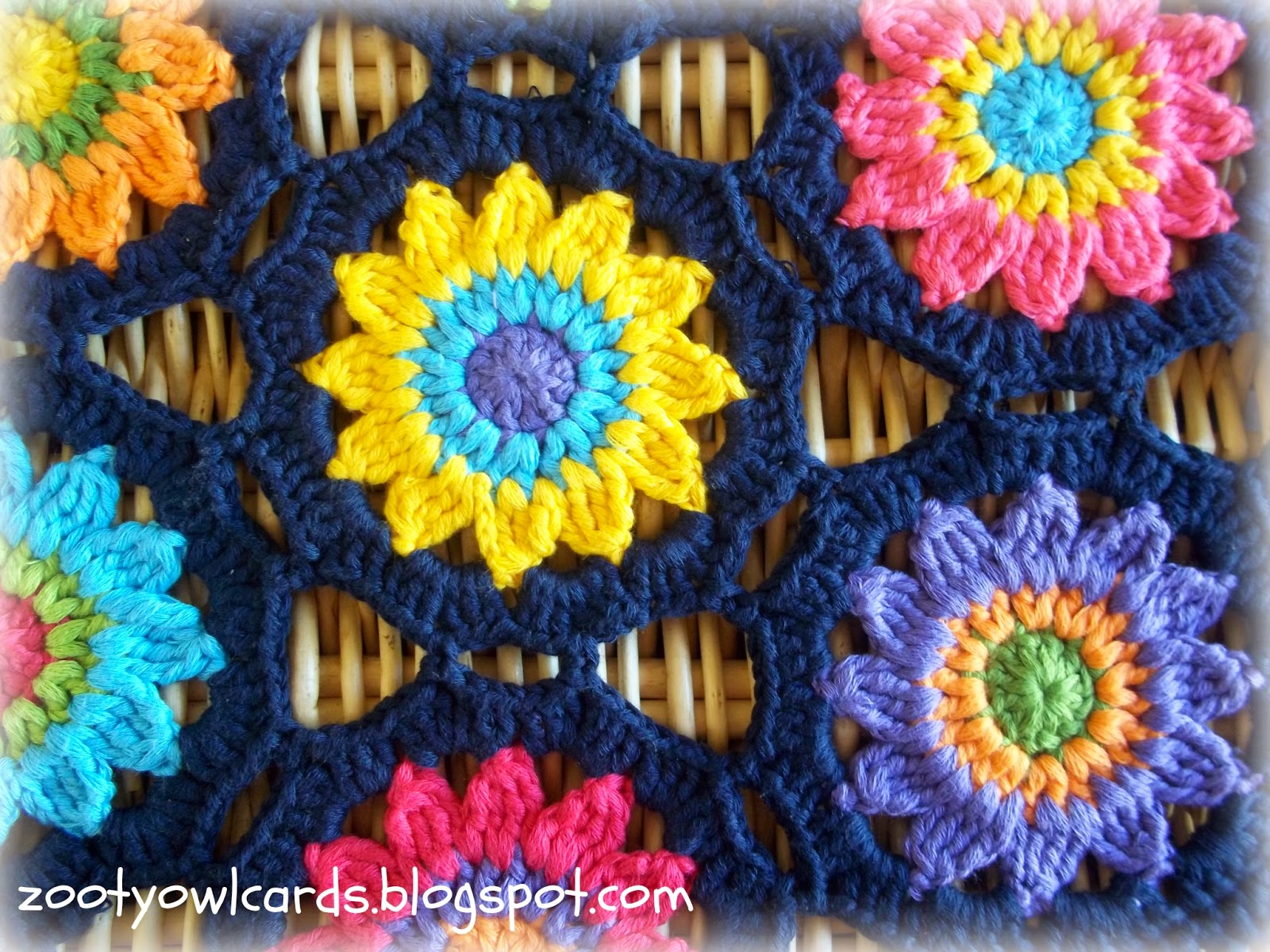 Free Crochet Pattern Flower Table Runner : Crochet Sunny Flower Motif Table Runner ? Crochet Kingdom