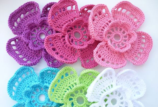 4 Petal Flower Crochet Pattern ? Crochet Kingdom