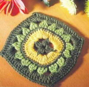 crochet-square-with-sunfloer