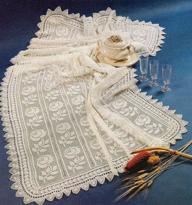 Rose Crochet Tablecloth ⋆ Crochet Kingdom