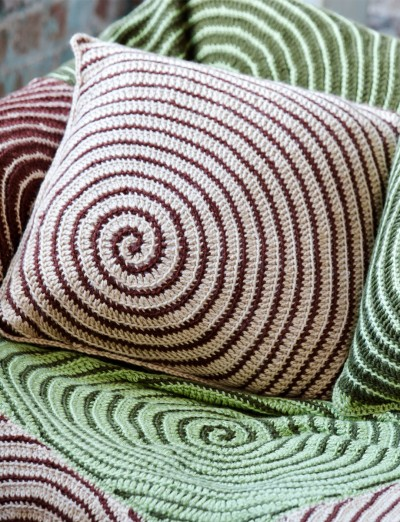 Spiral In A Square Motif Cushion Free Crochet Pattern Crochet Kingdom