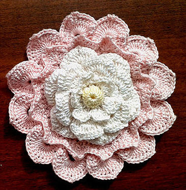 Free Crochet Pattern Large Flower : Big Textured Crochet Flower ? Crochet Kingdom