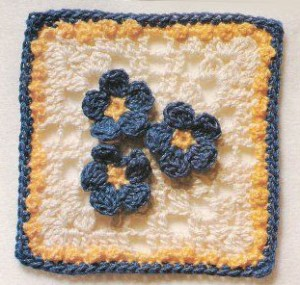 crochet-square-three-flowers