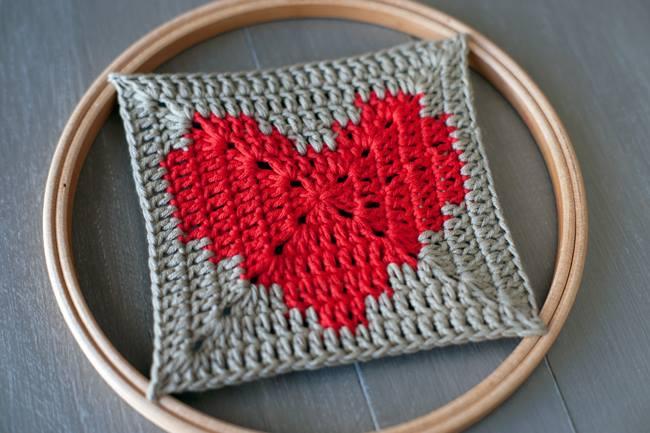 Heart Themed Crochet Square ⋆ Crochet Kingdom