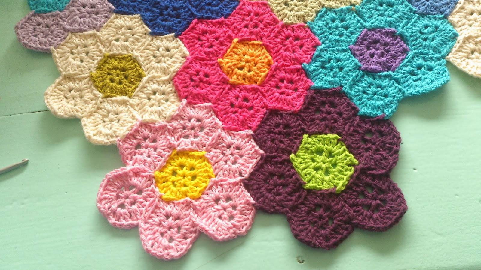 Honeycomb Free Crochet Blanket Pattern ⋆ Crochet Kingdom