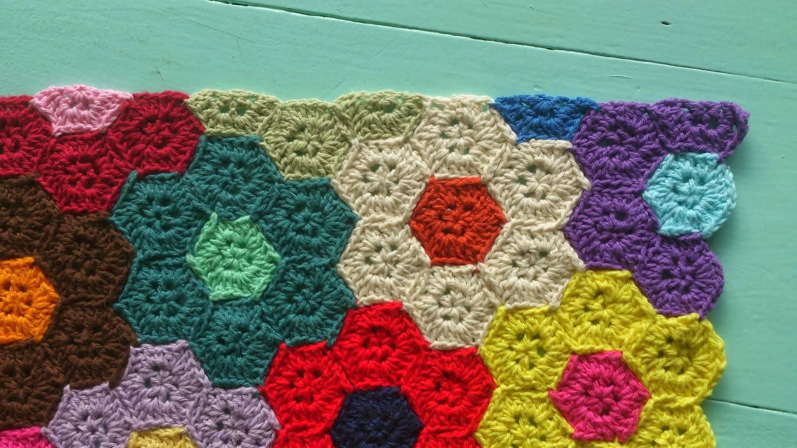 Honeycomb Free Crochet Blanket Pattern ⋆ Crochet Kingdom