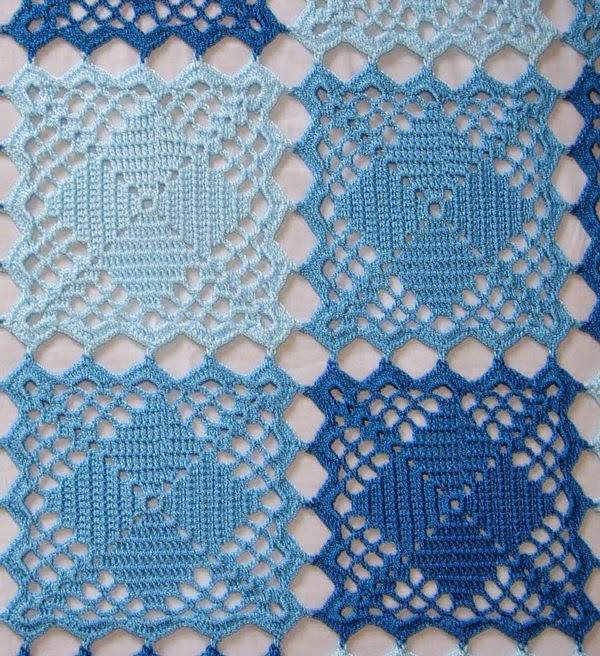 Crochet Patterns Squares : Blue Lace Crochet Squares Bedspread ? Crochet Kingdom