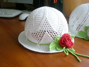 pretty girls hat crochet pattern