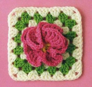 granny-square-with-flower
