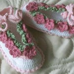 Crochet Pattern - Baby Shoes with Flowers