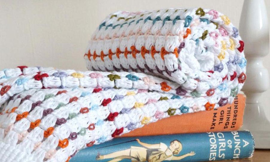 pretty-crochet-blanket