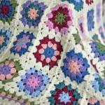 white broder crochet balncket