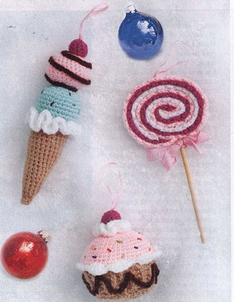 Ice-Cream-and-Lolliposo-crochet-ornaments