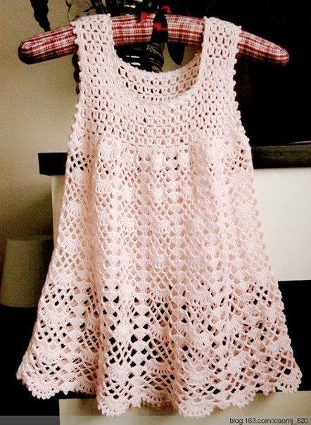 Fan Mesh Baby Dress Pattern Crochet ⋆ Crochet Kingdom