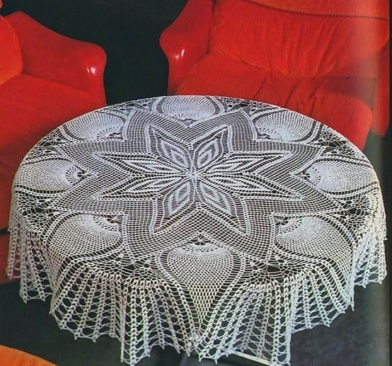 Free Crochet Patterns For Tablecloth : Large Star and Pineapple tablecloth Crochet Pattern ...