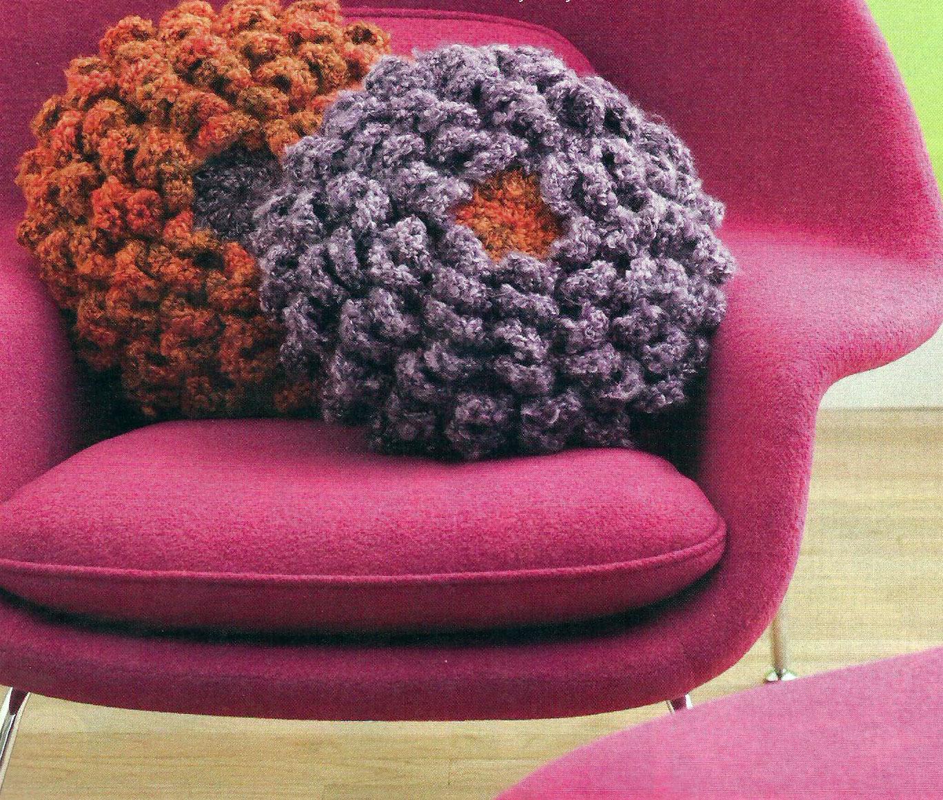 Crochet Petal Pillow Pattern ⋆ Crochet Kingdom