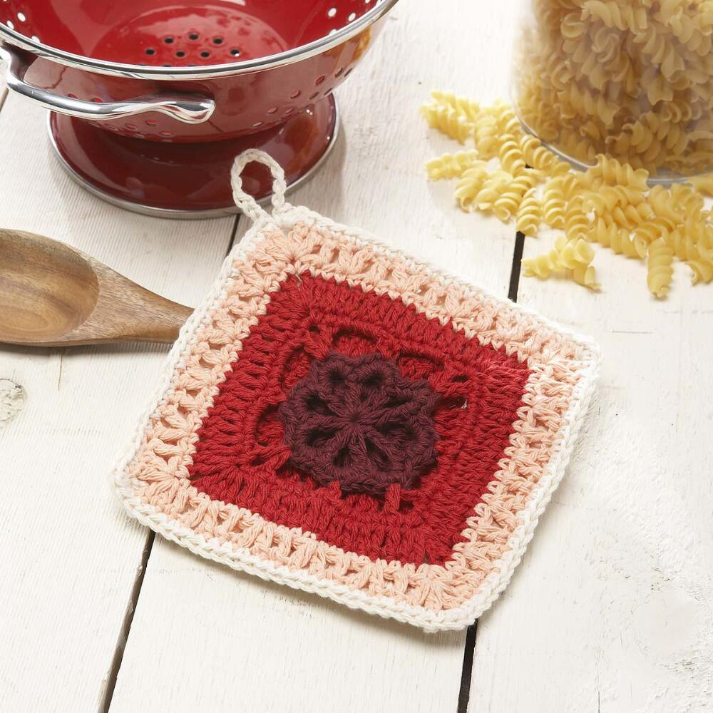 Crochet Pattern Yarn Holder : Katie Pot Holder Free Crochet Pattern ? Crochet Kingdom