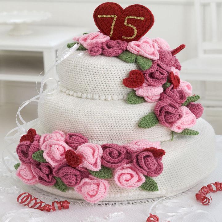 Anniversary Rose Cake free crochet cake pattern