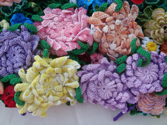 Colorful Crochet Flowers + Free Pattern Step By Step
