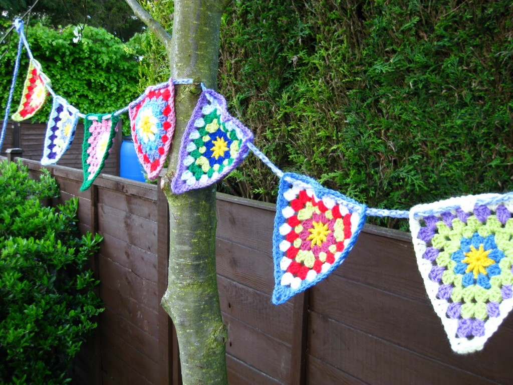Colourful Crochet Bunting Pattern Free Crochet