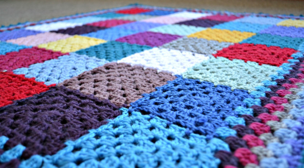 Crochet Granny Square Baby Blanket ⋆ Crochet Kingdom