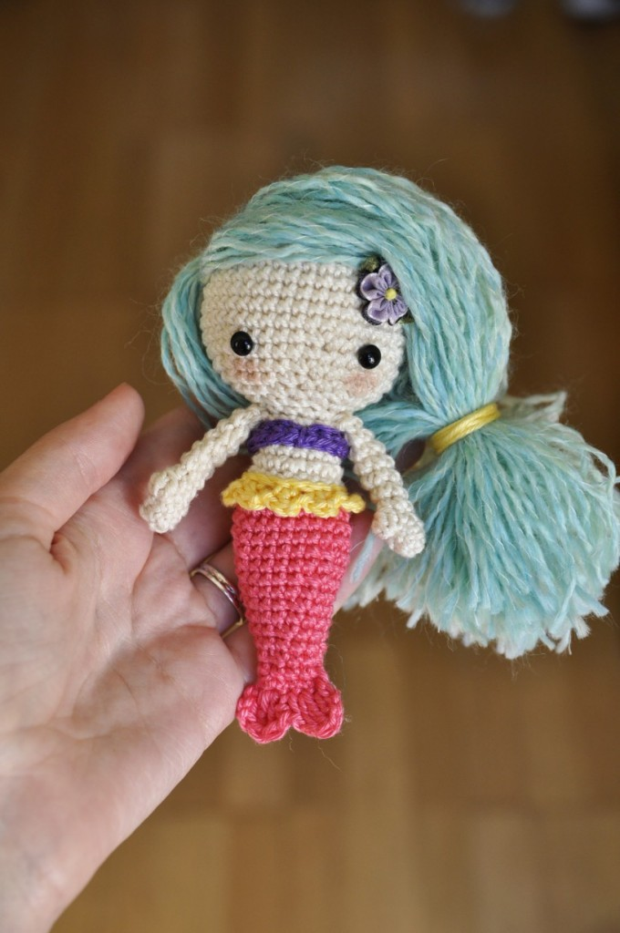 Free crochet mermaid amigurumi pattern