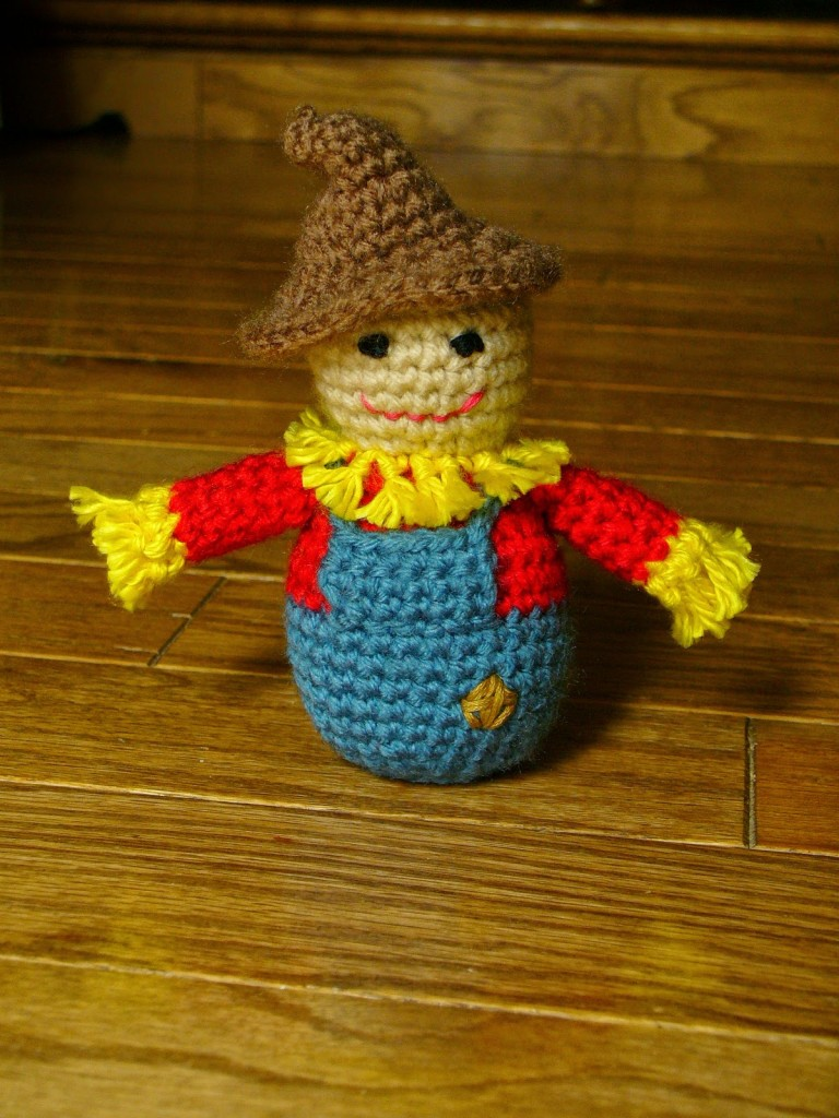 Little Scarecrow Amigurumi Free Crochet Pattern