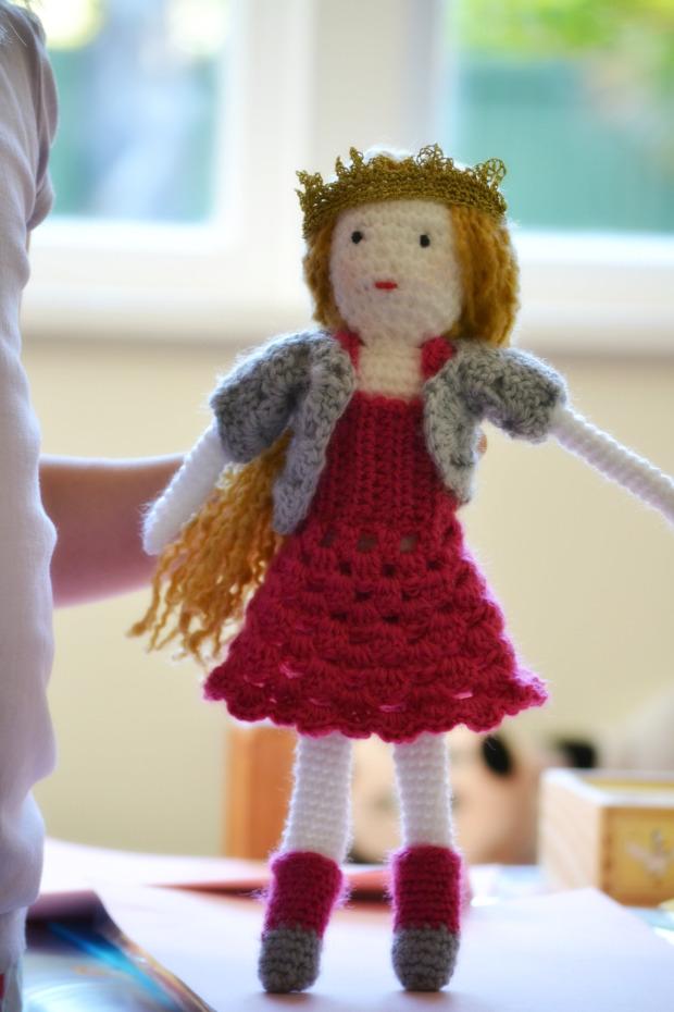 Simple Crochet Doll Pattern Princess Poppy ⋆ Crochet Kingdom