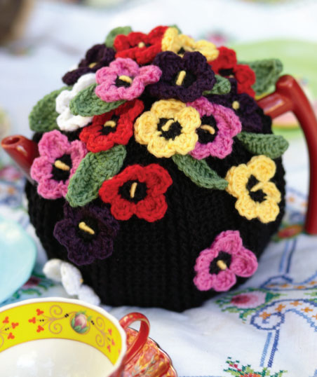 Crocheted Pansy Tea Cosy Free Pattern ⋆ Crochet Kingdom