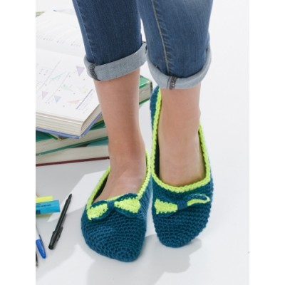 Bow Tie Slippers Free Crochet Pattern