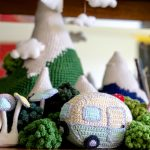 How to Crochet a Mini Vintage Caravan