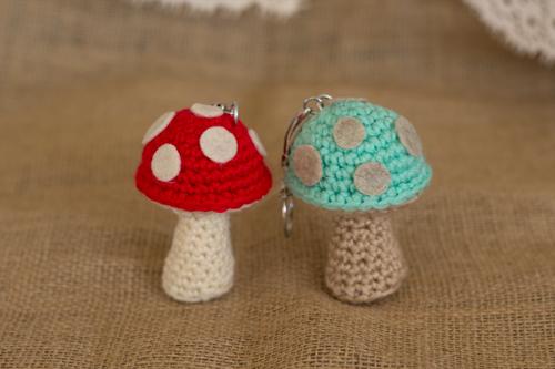Mushroom keychain pattern free crochet