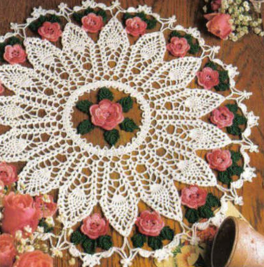 pineapple-and-roses-doily