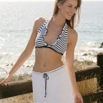 Bikini top and skirt with stripes and flounces free crochet pattern