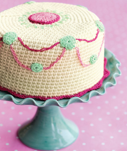Knitting Patterns Free Cakes : Crochet Confection Free Cake Pattern ? Crochet Kingdom
