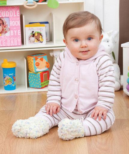 Crochet Warm & Fluffy Booties Free Pattern