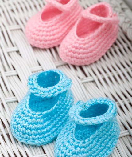 Dress-Up Booties Free Crochet Pattern