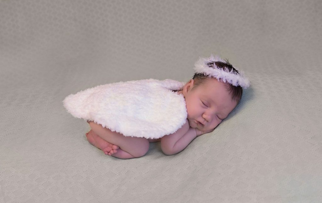 Newborn Angel Wings and Halo Free Crochet Pattern