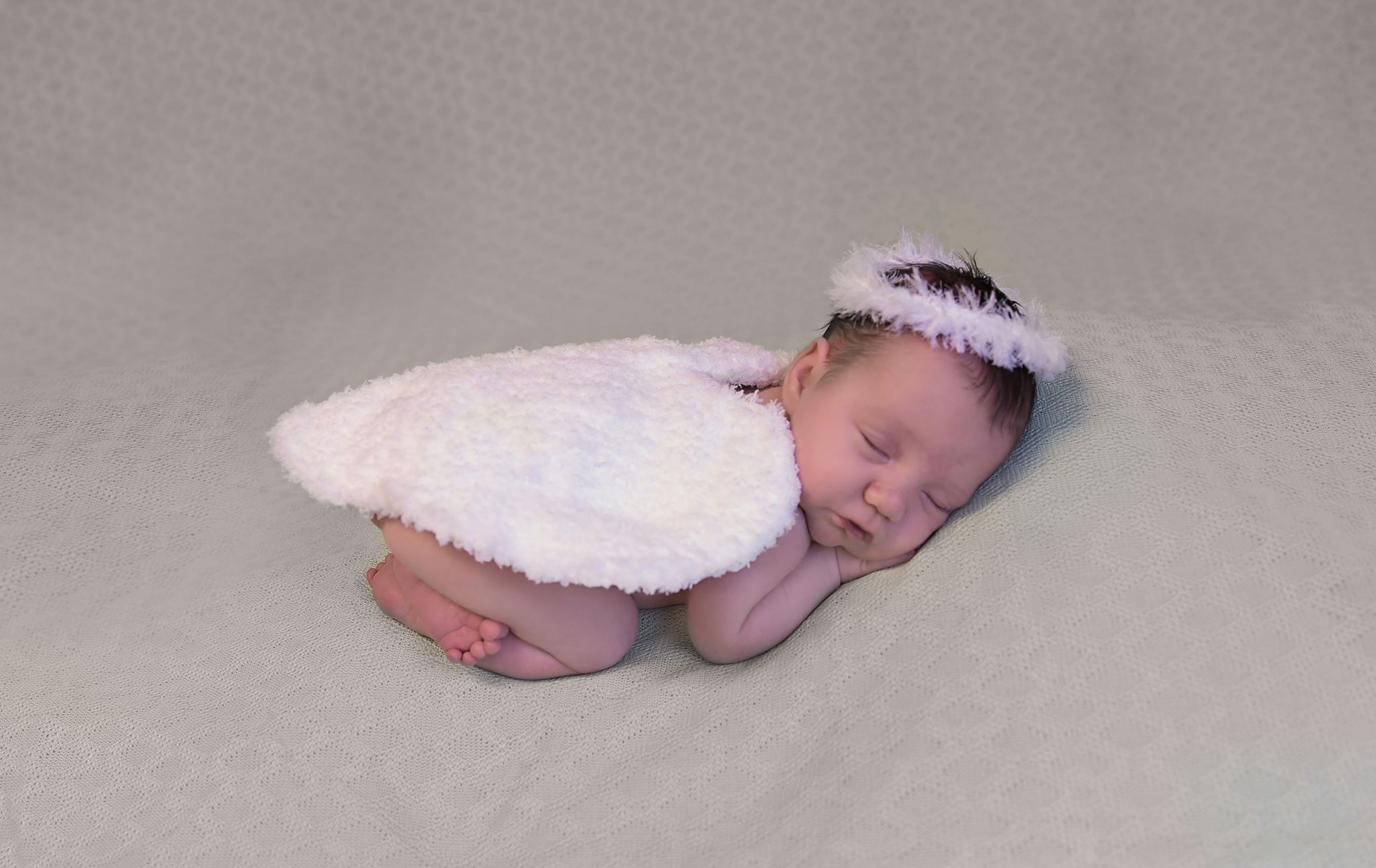 Newborn Angel Wings and Halo Free Crochet Pattern ...