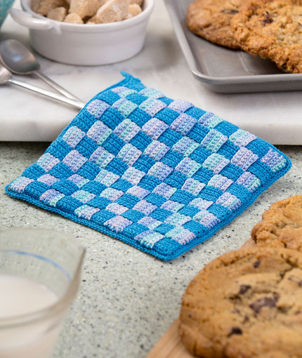 Checkered Hot Pad free crochet pattern