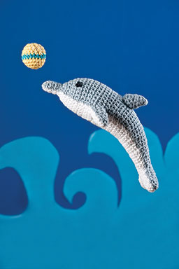 Free playful dolphin crochet pattern
