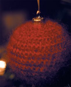 christmas-crochet-bauble-cover