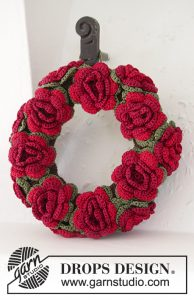 christmas-in-bloom-crochet-wreath-pattern