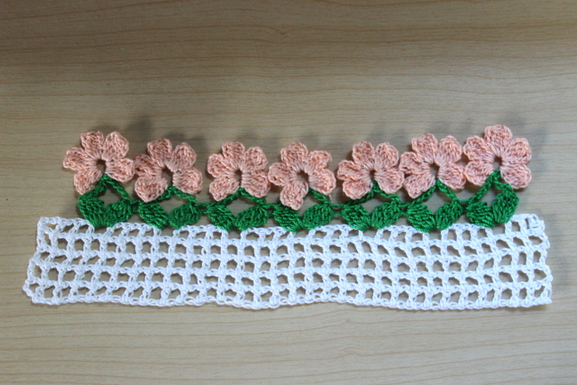 Free Crochet Flower Edging Pattern : Mores than 20 Crochet Borders and Edgings to Crochet with ...