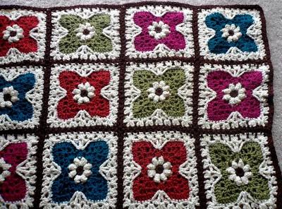 flower-tiles-afghan-free-crochet-pattern-1