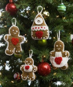 gingerbread-tree-ornaments-free-crochet-pattern