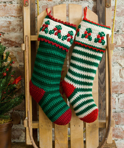Holly & Berry Stockings Free Crochet Pattern