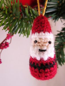mini-father-christmas-crochet-ornament-pattern