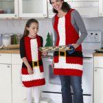 Santa's Aprons Free Crochet Pattern