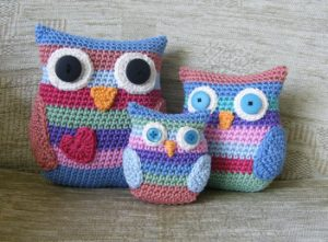 stripy-owl-family-free-crochet-pattern